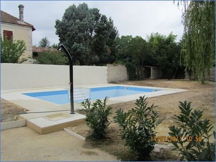 pool and works done in house or french c